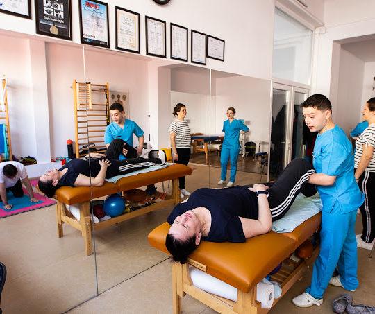 kinetoterapie la como clinic